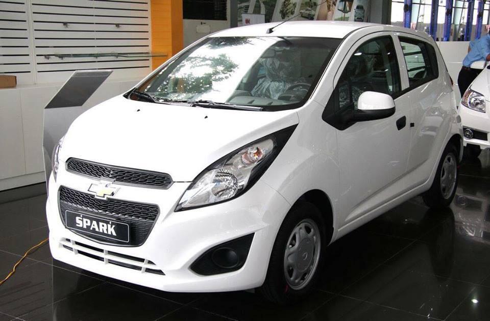 Giá xe ô tô Chevrolet Spark Van Duo 2019 mới nhất
