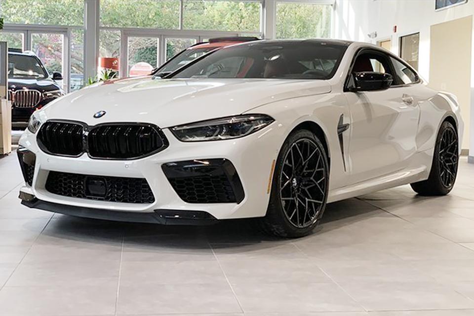 Siêu xe BMW BMW M8 Competition đầu tiên về Việt Nam được cho là của một đại gia ở Sài Gòn