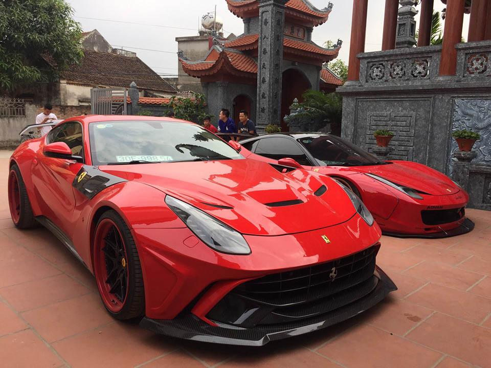 Bộ đôi Ferrari 458 Italia và F12berinetta độ độc nhất Việt Nam được đại gia Hoàng Kim Khánh diện về quê Hải Dương