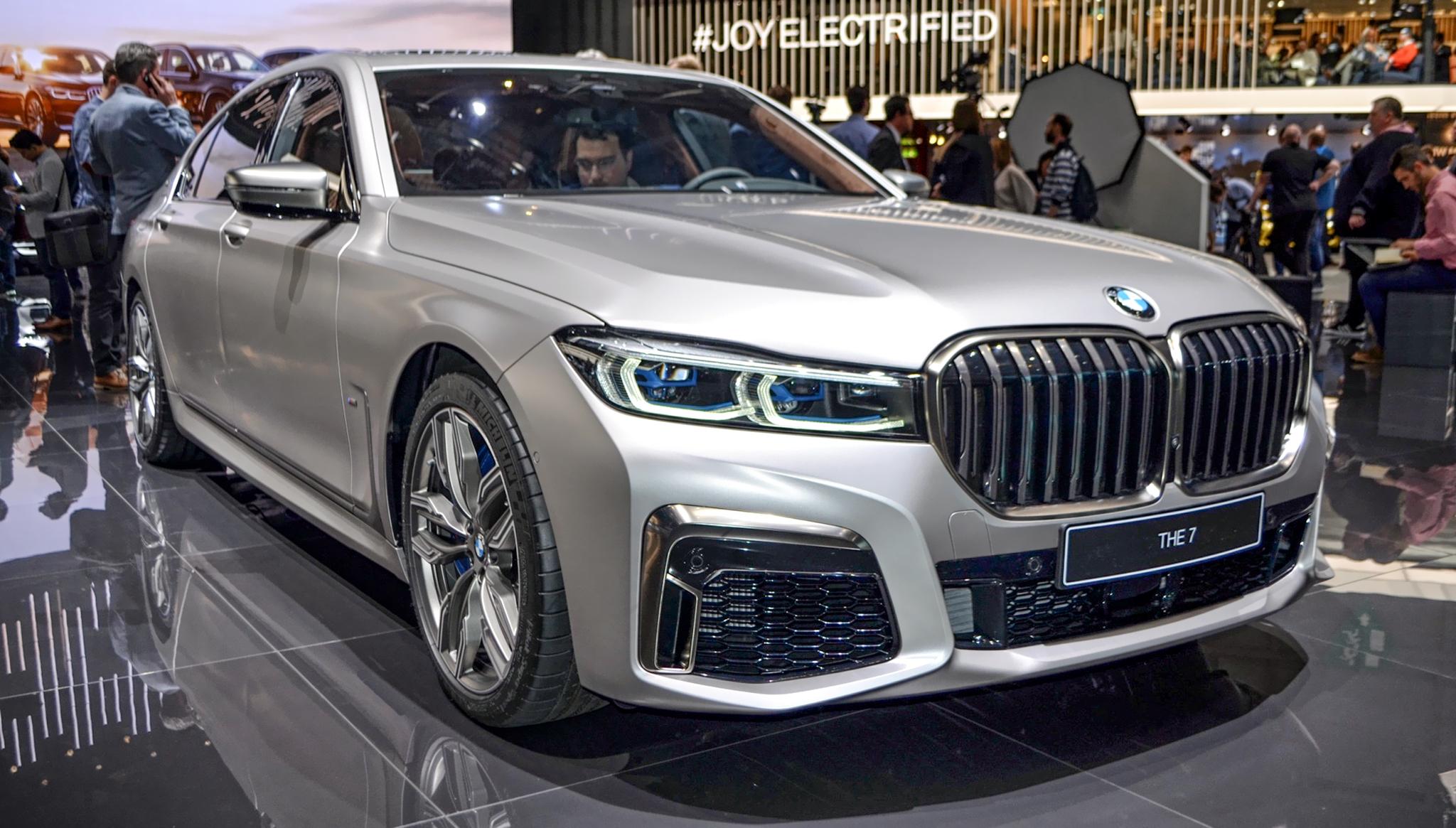 Chi tiết xe BMW M760Li 2019, kèm giá bán mới nhất tháng 12/2019