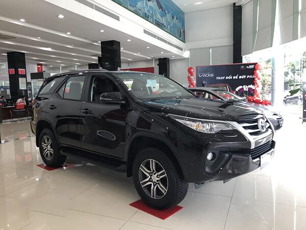 Giá xe ô tô Toyota Fortuner 2.4G MT 2019 mới nhất