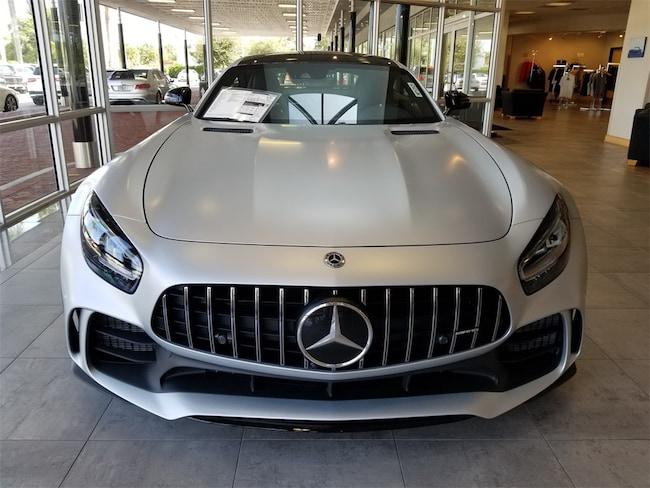 Mercedes-AMG GT R được nhập khẩu chính hãng, có giá 11,9 tỷ giá rẻ gần một nửa so với đại lý tư nhân