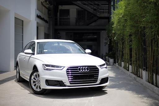 Bán xe Audi A6 2016 mầu trắng nội thất đen xe đi chuẩn 30.000km