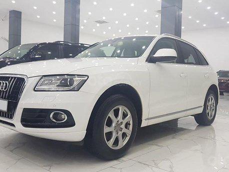 Bán xe Audi Q5 2.0 2014 màu trắng nội thất đen, xe đi chuẩn 4 vạn km