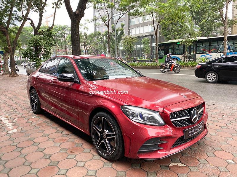 Bán xe Mercedes C300 AMG cũ đời 2019, xe mầu đỏ chạy 13.900km