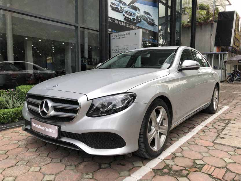 Xe Mercedes E250 cũ đăng ký 2018 màu Bạc chạy 5600 Km như mới giá rẻ