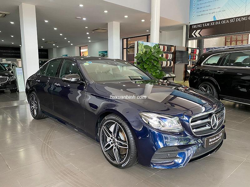 Chính chủ bán xe Mercedes E300 cũ màu Xanh/ nội thất Đen 2019 xe chạy chuẩn 15000km