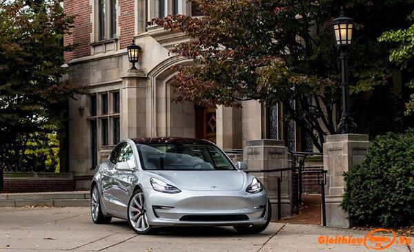 Chi tiết xe Tesla Model 3 2020, kèm giá bán tháng 06/2020