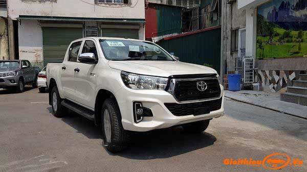 Chi tiết xe bán tải Toyota Hilux 2020, kèm giá bán mới nhất tháng 04/2020
