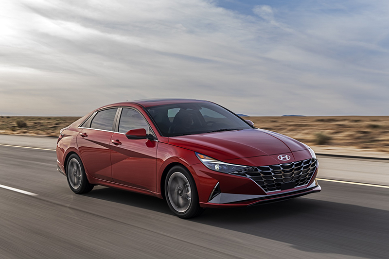 Hyundai Elantra 2021 chốt giá bán giá từ 19.650 usd, bản cao nhất 24.100 usd