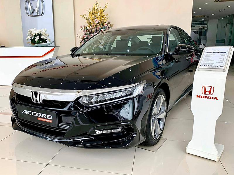 Các đại lý đồng loạt giảm giá mẫu xe Honda Accord, giảm cao nhất lên đến 320tr