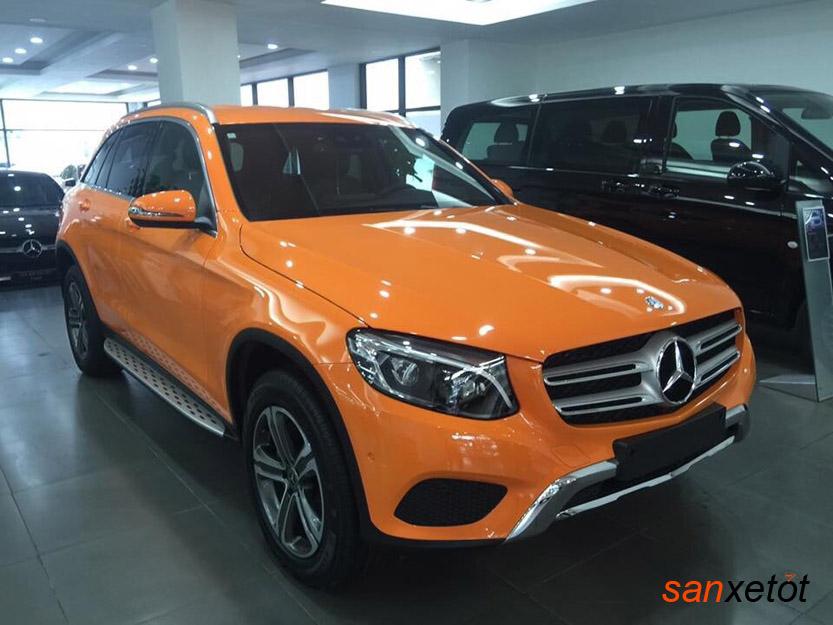 Mercedes GLC 250 4MATIC 2017 có thêm màu cam mới nổi bật